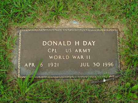 DAY  (VETERAN WWII), DONALD H. - Boone County, Arkansas | DONALD H. DAY  (VETERAN WWII) - Arkansas Gravestone Photos