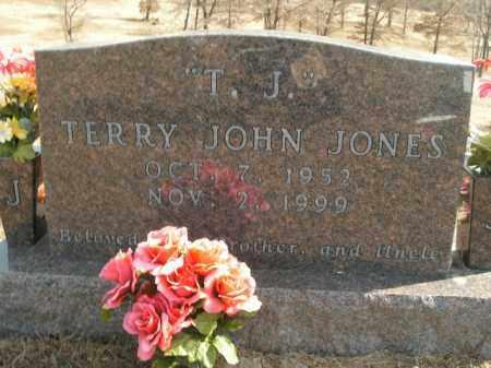 JONES, TERRY JOHN - Boone County, Arkansas | TERRY JOHN JONES - Arkansas Gravestone Photos