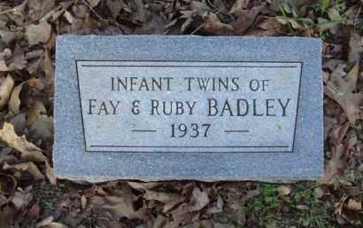 BADLEY, INFANT TWINS - Carroll County, Arkansas   INFANT TWINS BADLEY - Arkansas Gravestone Photos