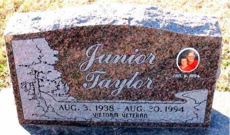 TAYLOR, JUNIOR - Carroll County, Arkansas | JUNIOR TAYLOR - Arkansas Gravestone Photos