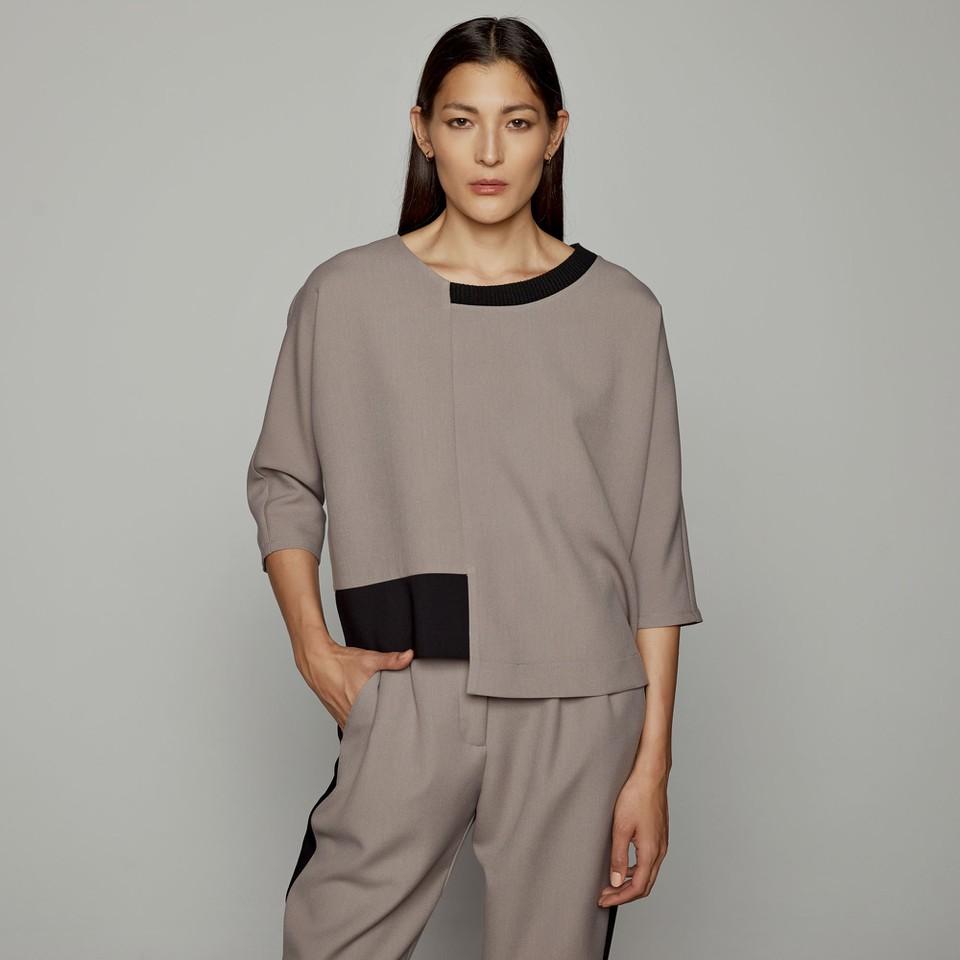 Blusa asimmetrica ACCESS fashion   W1-2016379