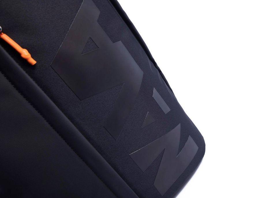 Zaino Beat  con tasca frontale NAVA   BT070NBLACK