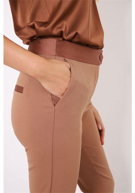 pantalone tailleur slim fit IMPERIAL   PVN2CDHBISCOTTO