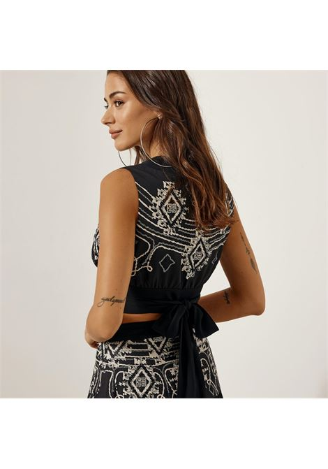 Blusa incrociata con ricami ACCESS fashion | S1-2052307