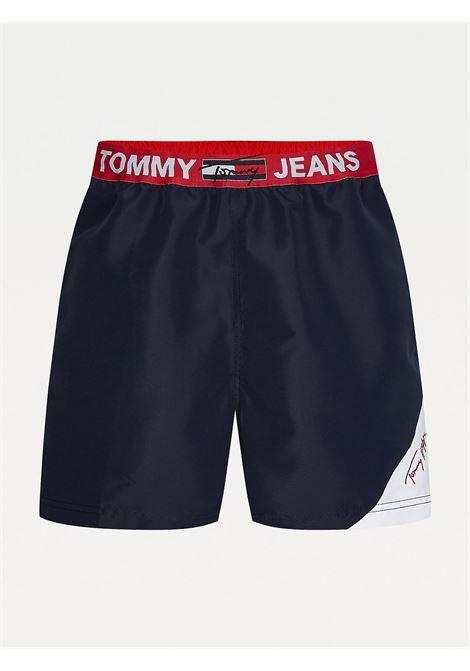 Costume shorts slim fit media lunghezza TOMMY HILFIGER | UM0UM02067DW5