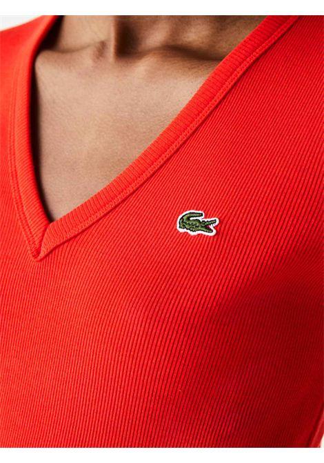 T-shirt  con scollo a v  cotone rosso  LACOSTE | T-shirt | TF5457F8M