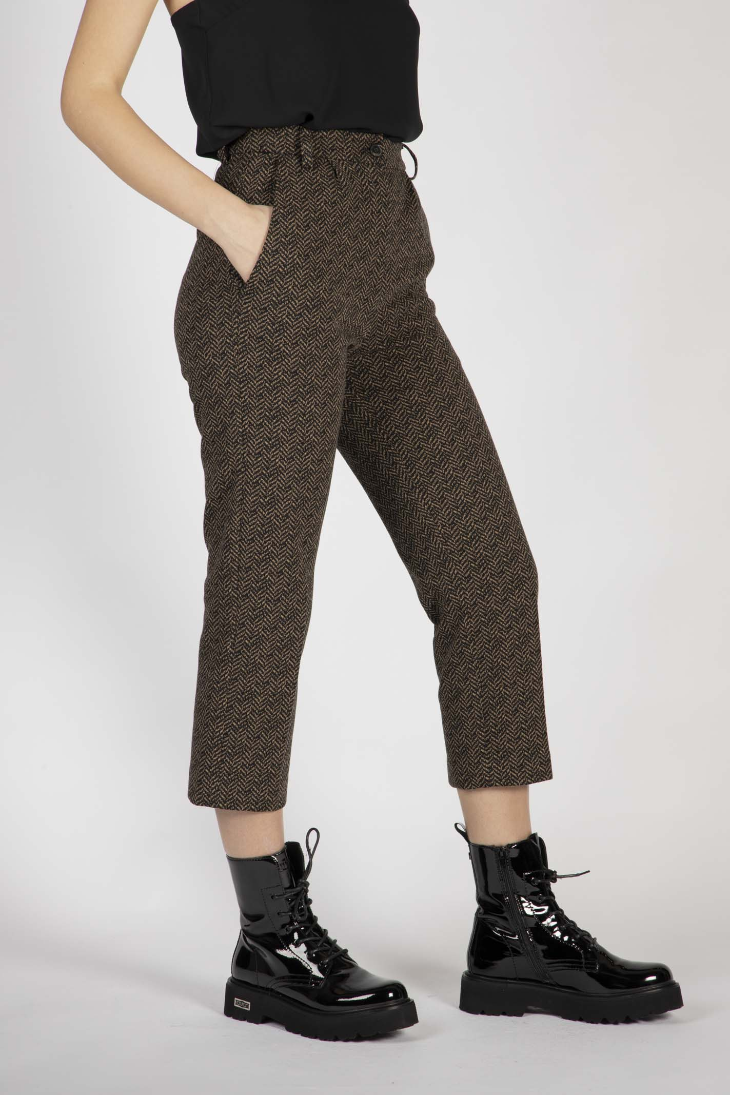 Pantaloni Stampa Spigato Nero E Marrone VICOLO | Pantaloni | TW1376CAMMELLO/NERO