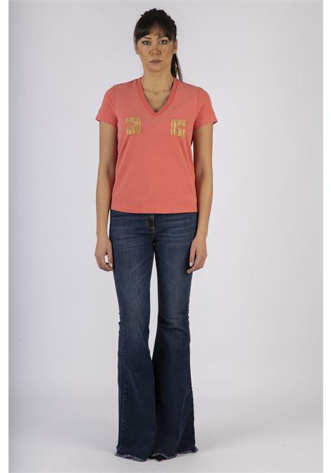 T-shirt con logo ricamato in oro light ELISABETTA FRANCHI | Maglia | MA15606E2620