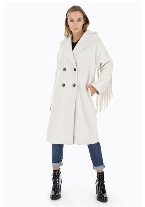 Cappotto doppiopetto con cappuccio e frange PLEASE | Cappotto | K493GLIPA1160