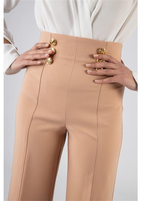 Pantalone a palazzo con bottoni logati oro ELISABETTA FRANCHI | Pantaloni | PA38311E2614