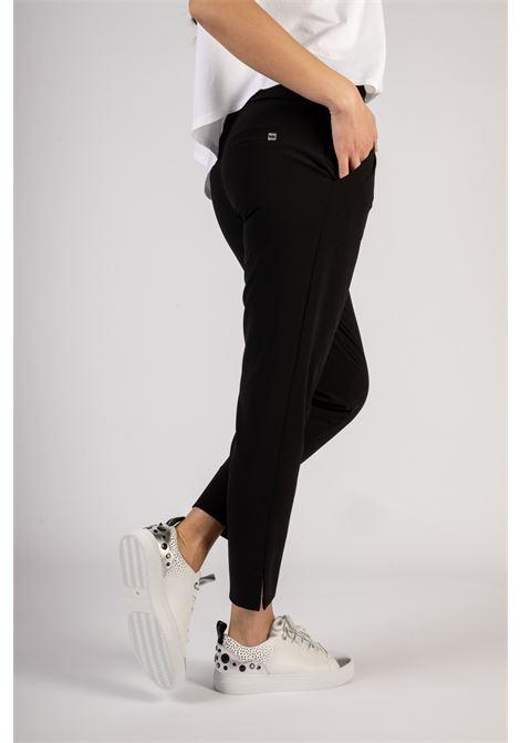 SNEAKER CAPSOLE A SUOLA EXTRALIGHT CON POIS E BORCHIE Manila Grace | Sneakers | S651LUMA029