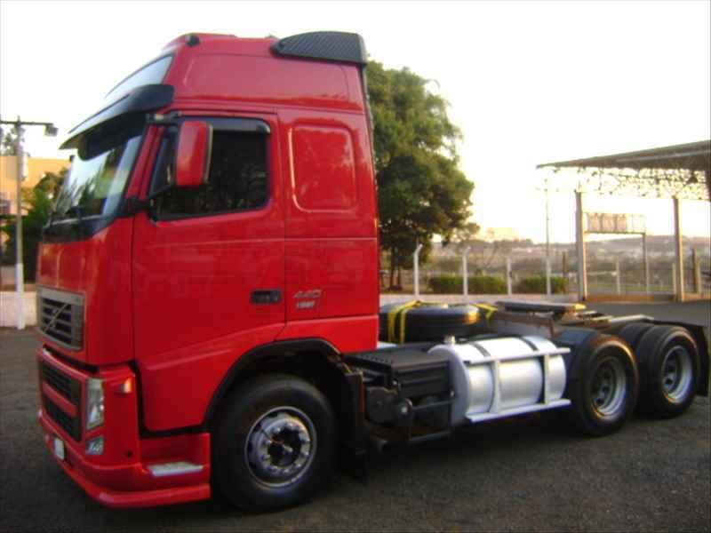 VOLVO VOLVO FH 440 1358000km 2009/2010 FF Caminhões Ribeirão Preto