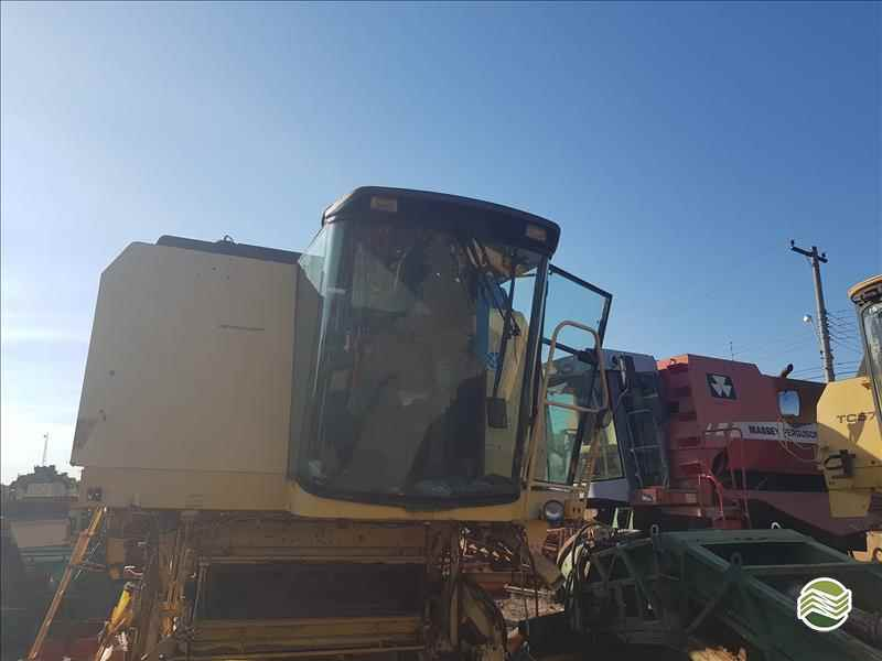 NEW HOLLAND TC 59  2000/2000 Só Agrícola Máquinas e Peças