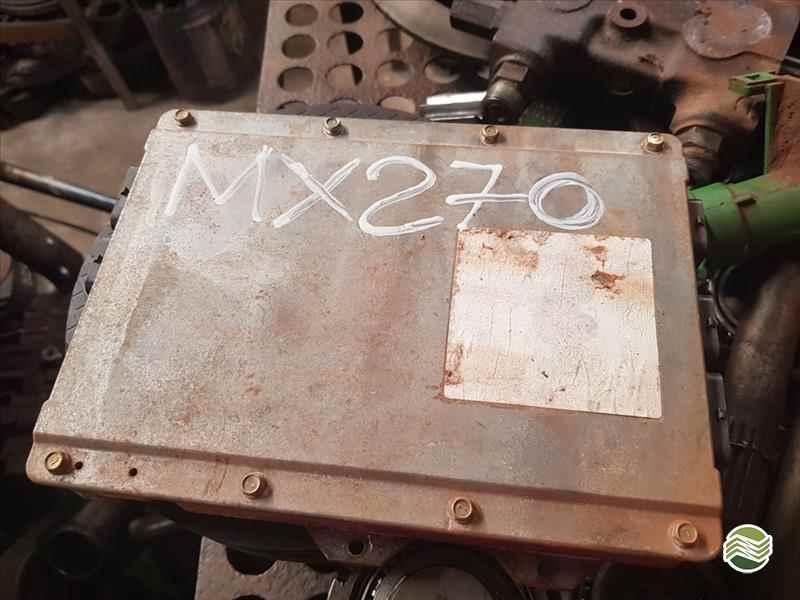 CASE CASE MX 270  2000/2000 Só Agrícola Máquinas e Peças