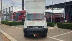 IVECO DAILY 55c17  2014/2014 2 Japão Caminhões e Carretas