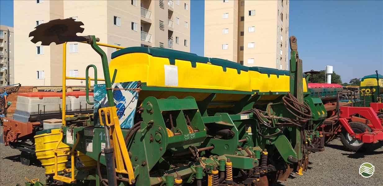 TATU PST DUO  2013/2013 Central Máquinas - Case