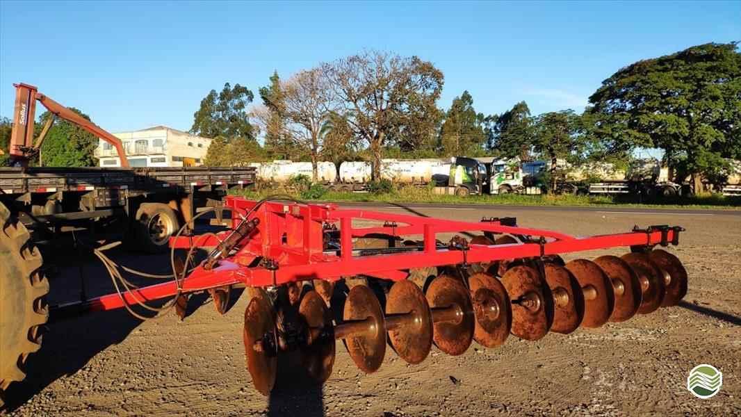 TERRACEADOR 24 DISCOS  2001 Noroeste Máquinas Agrícolas