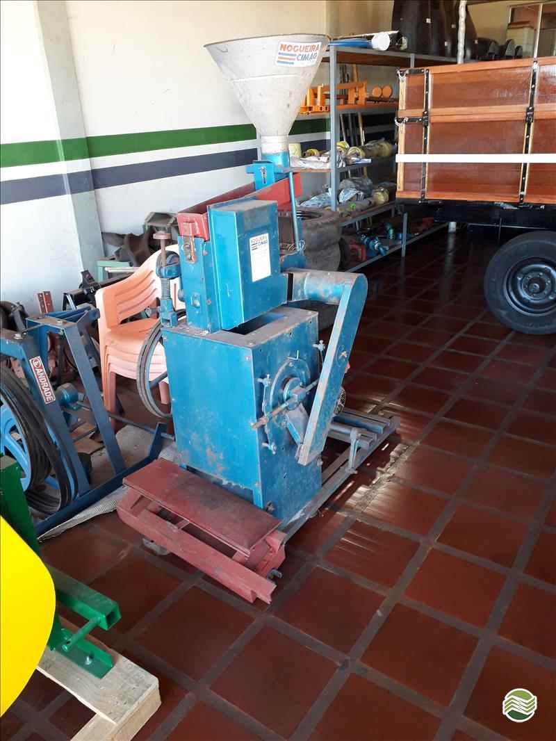 BENEFICIADORA DE GRÃOS BENEFICIADORA DE ARROZ  2000 Oestemaq Tratores - Agrale