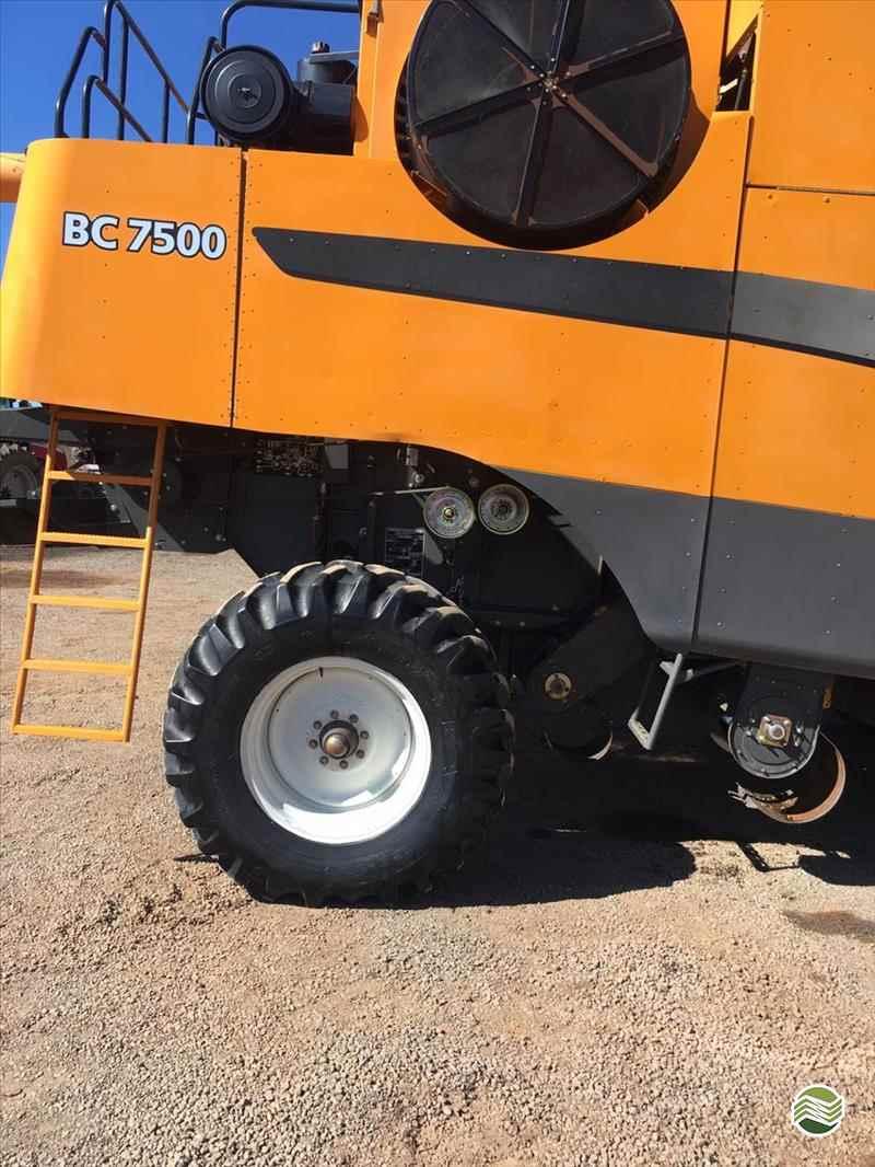 VALTRA VALTRA BC 7500  2010/2010 Regional Tratores - Valtra