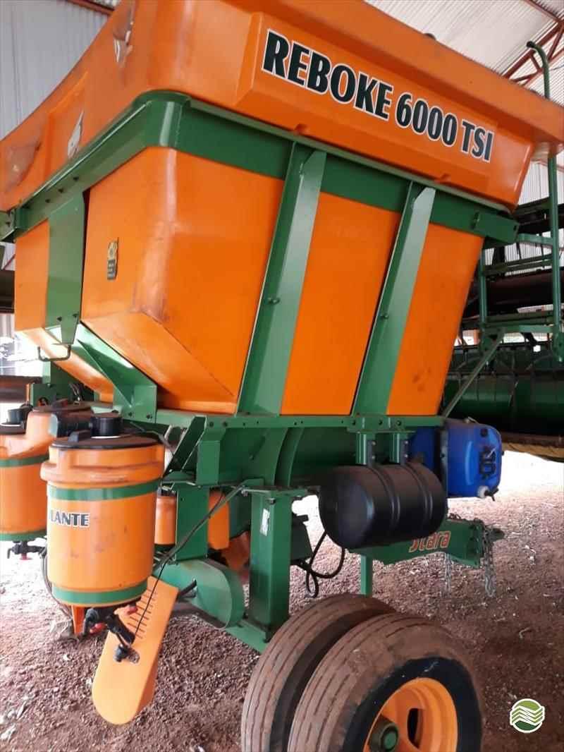 CARRETA AGRÍCOLA CARRETA GRANELEIRA 6000 BAZUKA  2015 Guimáquina Implementos Agrícolas - Jacto