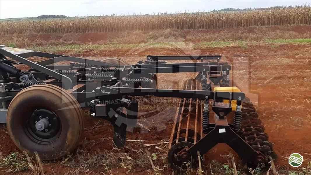 ESCARIFICADOR 9 HASTES DISCO CORTE   2020 Terral Máquinas e Peças Agrícolas