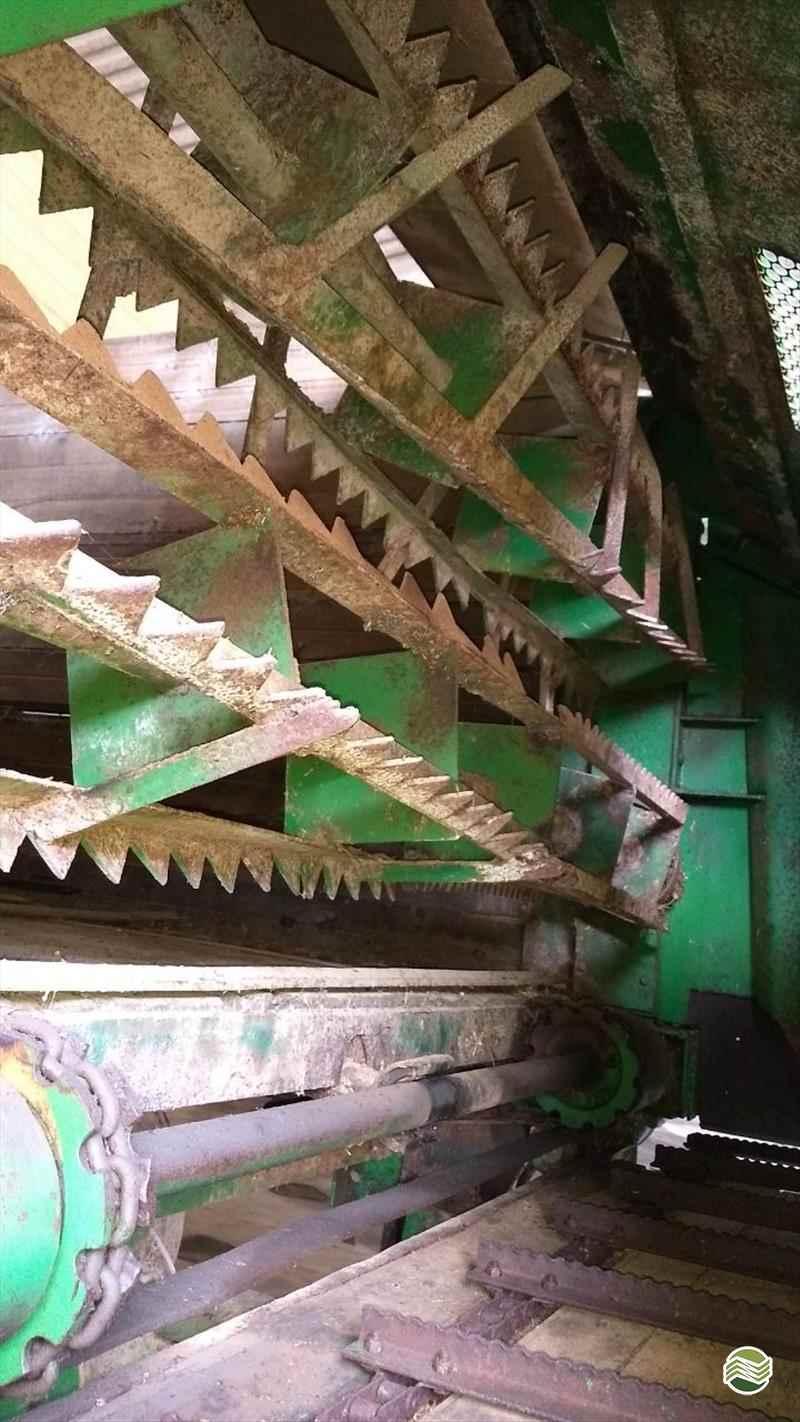 VAGAO FORRAGEIRO VAGÃO FORRAGEIRO  2000 Pedrinho Tratores