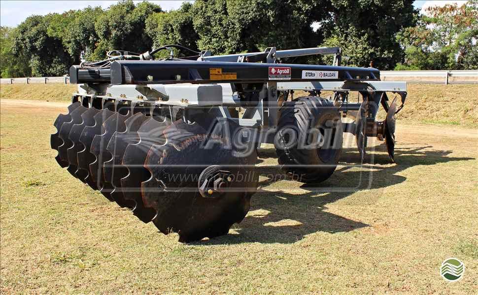 GRADE ARADORA ARADORA 16 DISCOS  20 AGROBILL Tratores & Implementos Agrícolas
