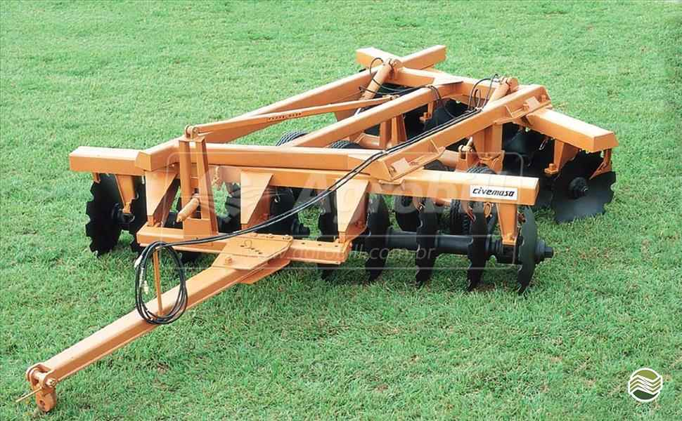 GRADE ARADORA ARADORA 14 DISCOS  20 AGROBILL Tratores & Implementos Agrícolas