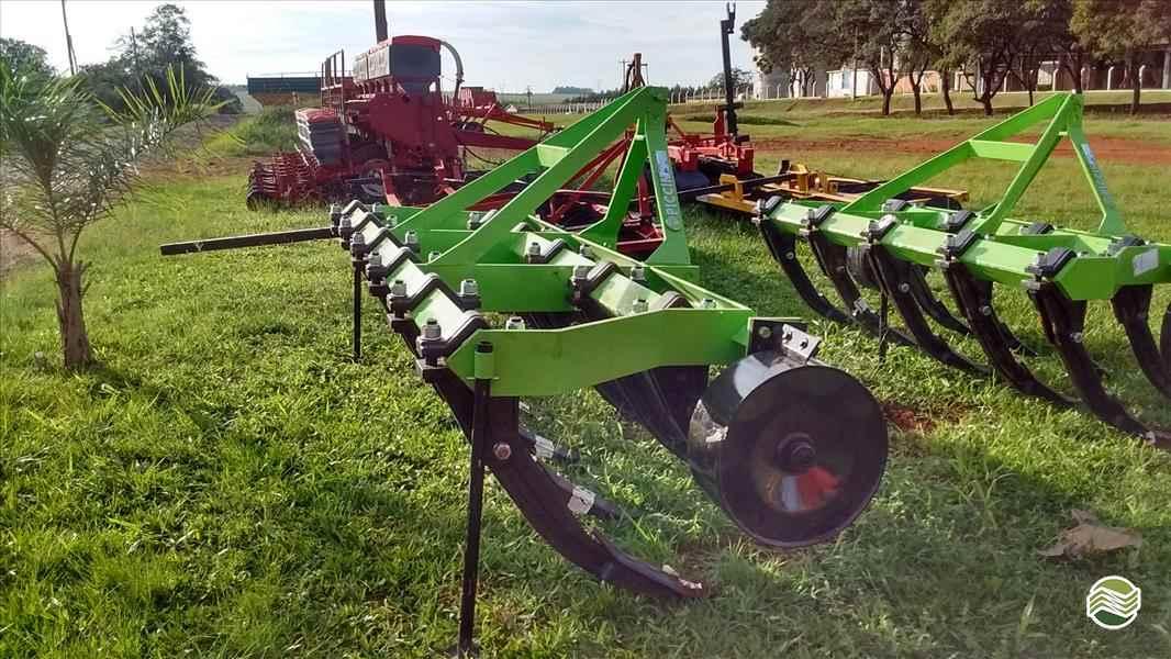SUBSOLADOR 11 HASTES  2019 Starmaq Implementos Agrícolas
