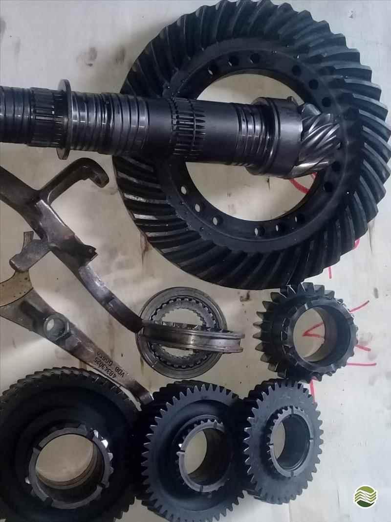 TRATORES TRANSMISSÃO  20 Ferro Tractor Peças Usadas