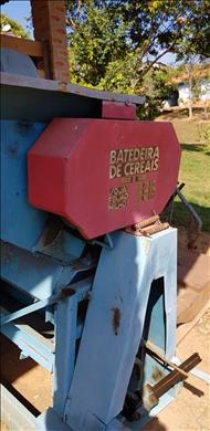 COLHEDORAS BATEDEIRA DE CEREAIS  20 Sumaré Máquinas e Veículos