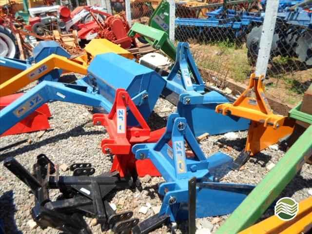 SULCADOR 1 LINHA  2013/2013 Tratorama Máquinas e Implementos