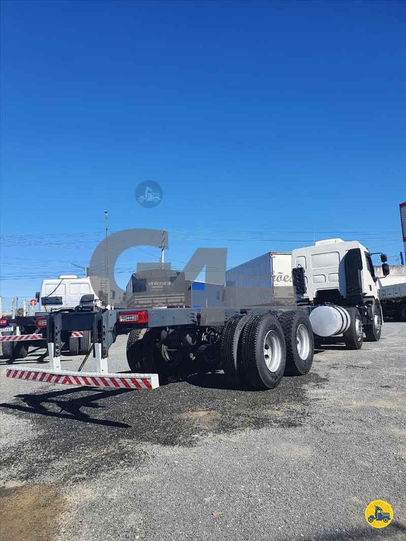 VOLVO VOLVO VM 330 249381km 2016/2017 G4 Caminhões