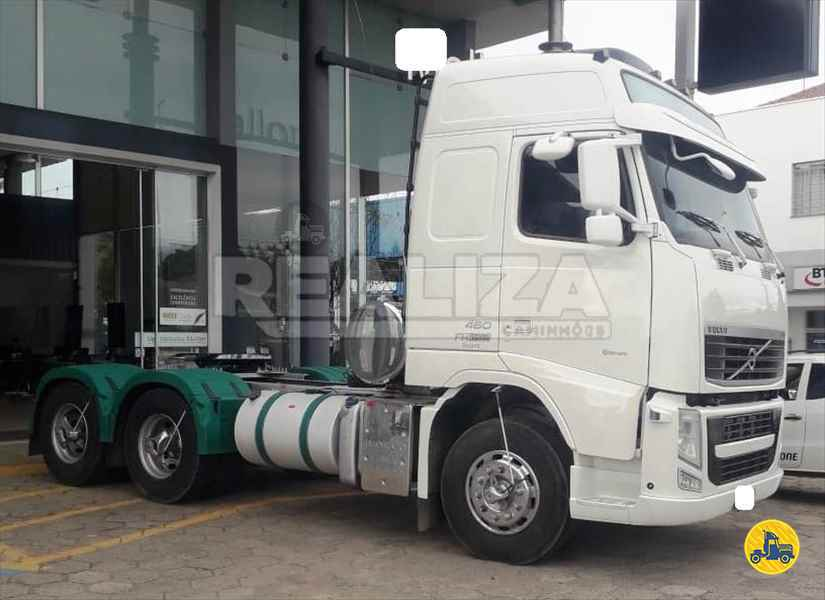 VOLVO VOLVO FH 460  2014/2015 Realiza Caminhões - Umuarama