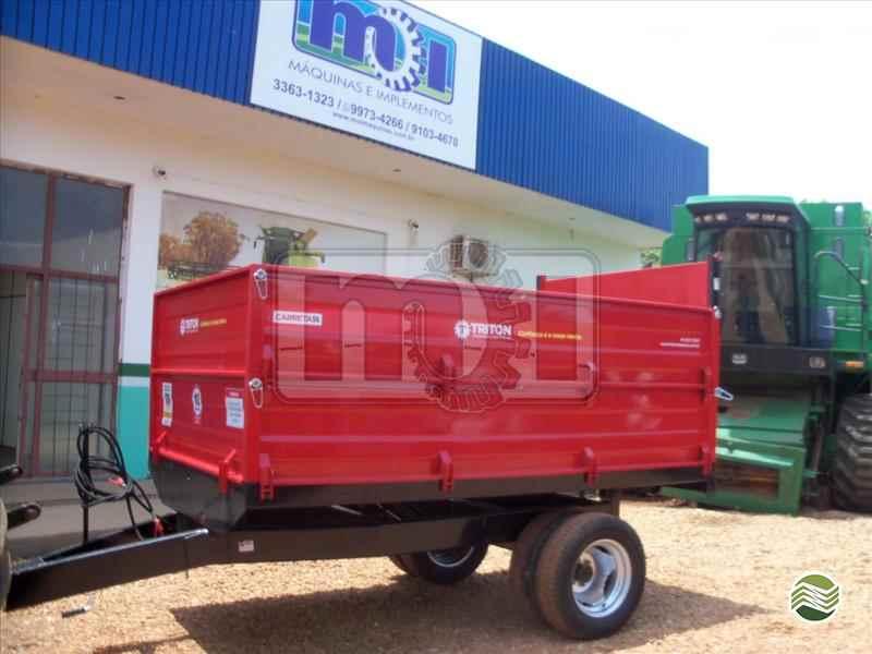 CARRETA AGRÍCOLA CARRETA AGRÍCOLA BASCULANTE  2000 Moi Maquinas e Implementos Agricolas