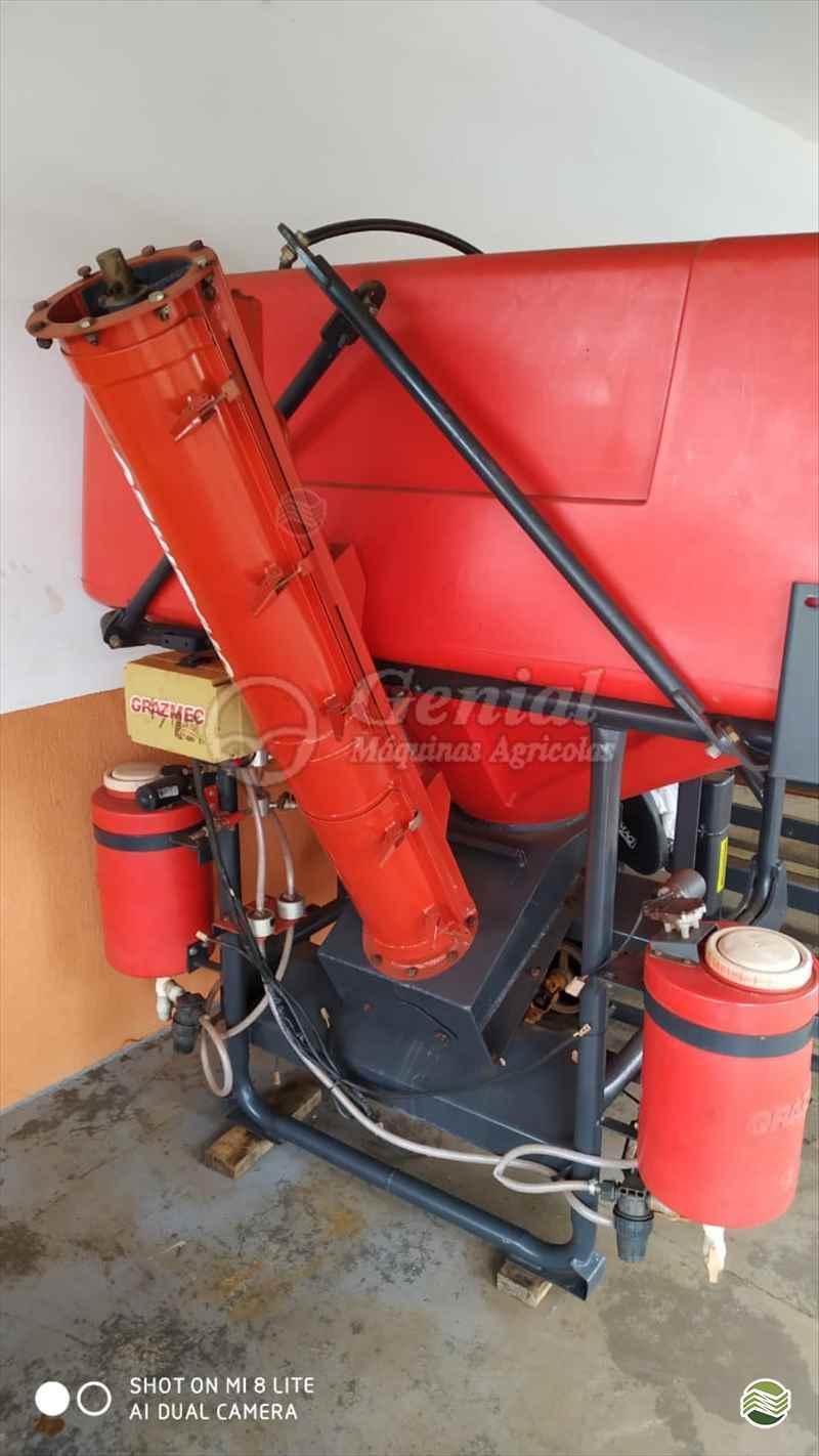 TRATADOR DE SEMENTES TRATADOR DE SEMENTES  2013 Genial Máquinas
