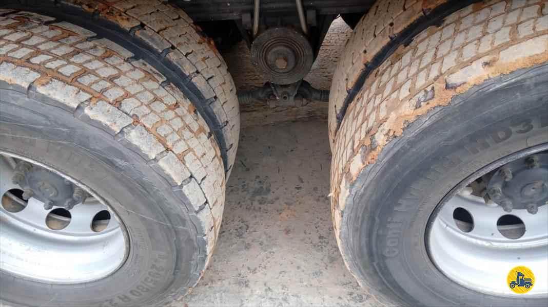 VOLVO VOLVO VM 330 370000km 2013/2013 Disville Caminhões