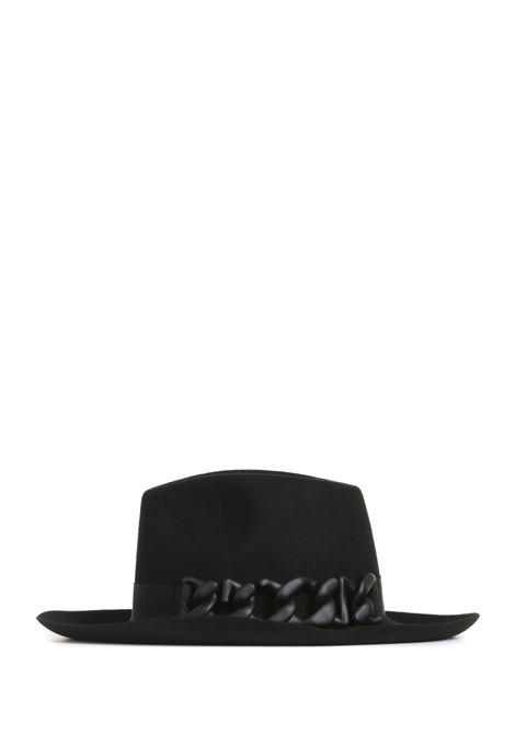 HAT IN BLACK FELT GCDS |  | FW22W01004202