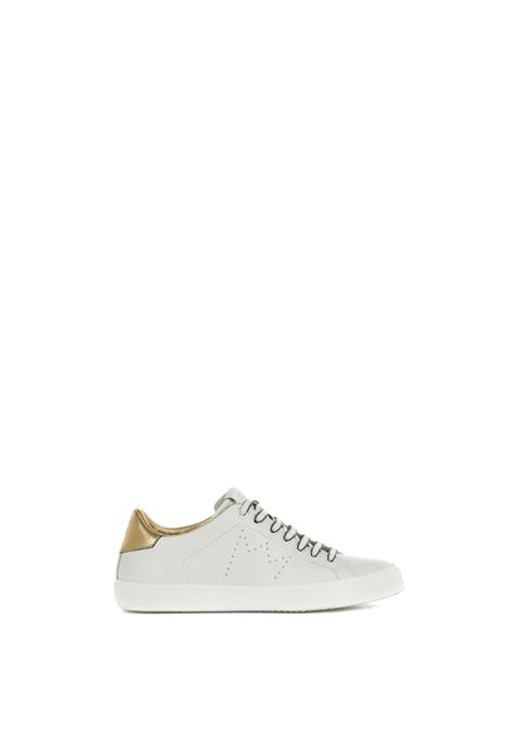 WHITE LOW SNEAKERS IN HAMMERED LEATHER LEATHER CROWN | Sneakers | WLC0620111BIANCO