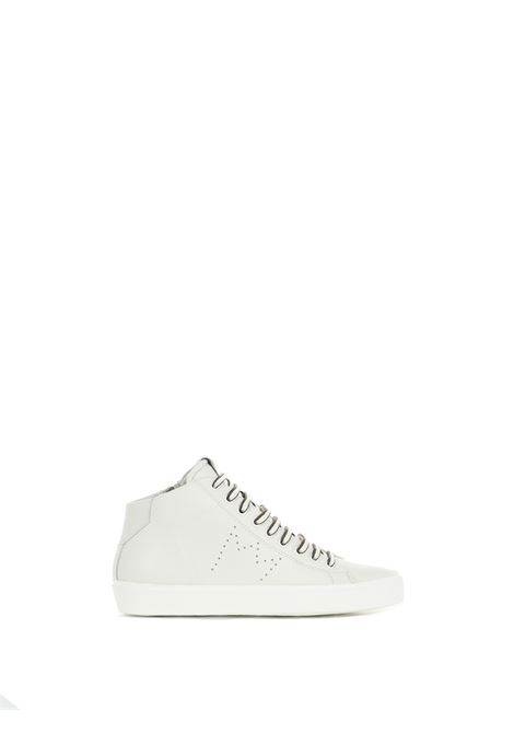 WHITE MEDIUM SNEAKERS IN HAMMERED LEATHER LEATHER CROWN | Sneakers | WLC13320114BIANCO