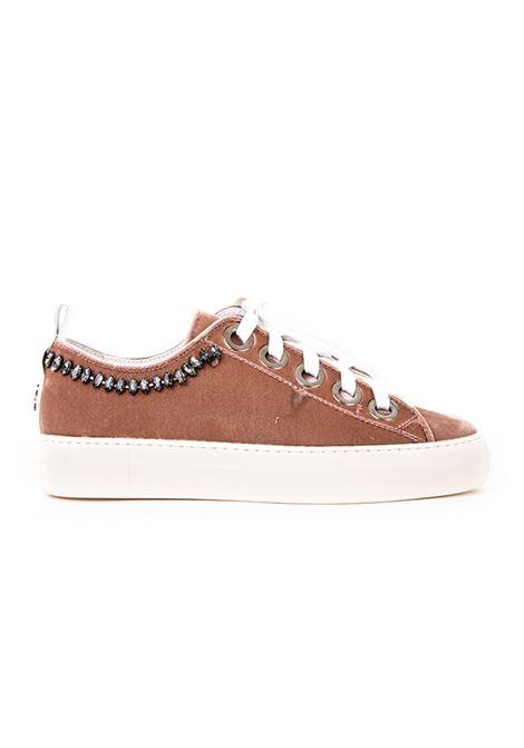 SNEAKERS IN VELLUTO CON APPLICAZIONI N°21 | Sneakers | 00118FMS0022C001
