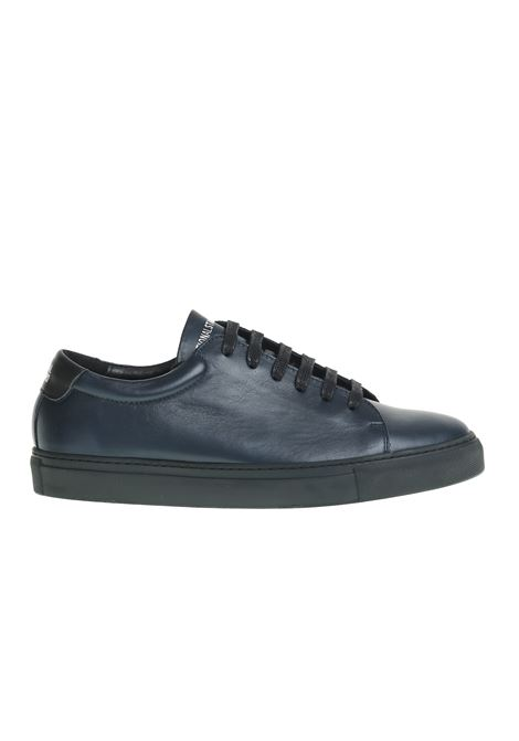 SNEAKERS IN PELLE CON PANNELLI LATERALI A CONTRASTO NATIONALSTANDARD | Sneakers | M0318F052