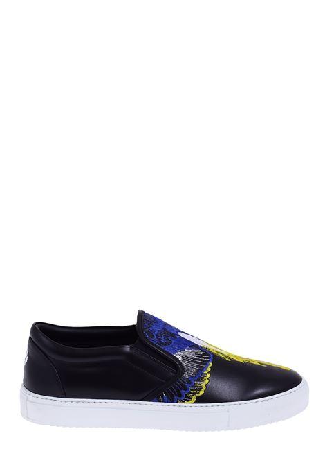 SNEAKERS NERA IN PELLE CON FENICE FRONTALE RICAMATA MARCELO BURLON | Sneaker | CMIA015S20LEA0011015