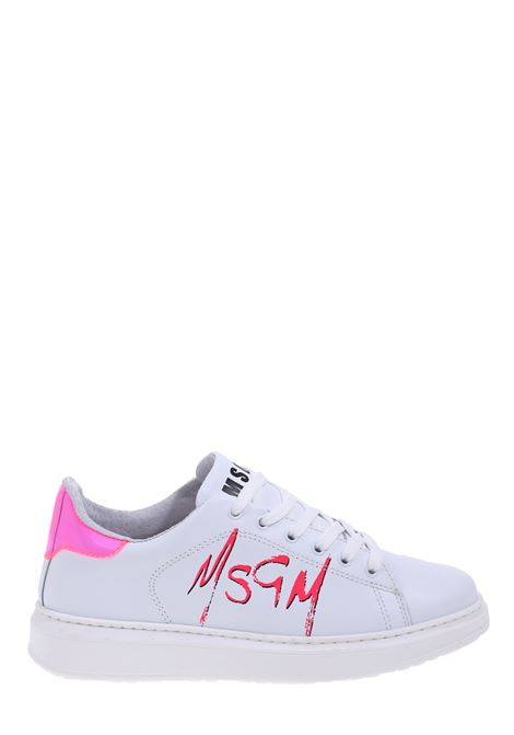WHITE LEATHER SNEAKERS WITH FLUO FUCSIA LOGO PRINT MSGM | Sneakers | 2842MDS170812315