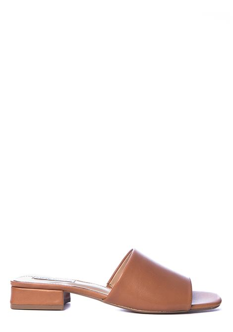 LOW SANDALS DELISH COGNAC LEATHER STEVE MADDEN | Slide Sandals | SMSDELISHCOGNAC LEA
