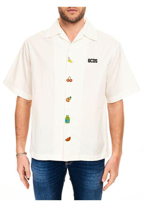 CAMICIA A MANICHE CORTE CON RICAMO FRONTALE GCDS | Camicie | RM21M02000401