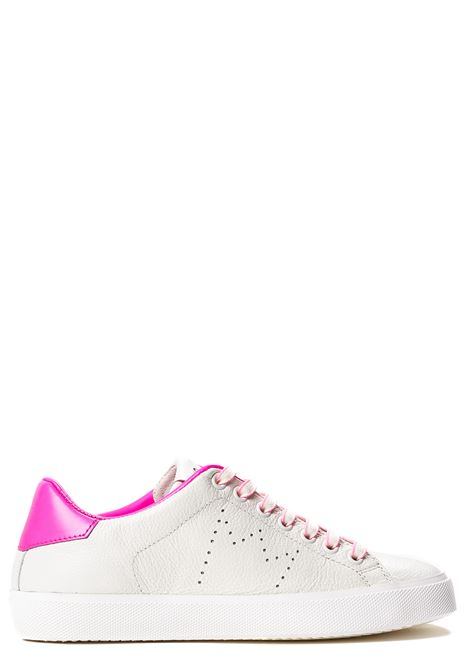 SNEAKERS BIANCA IN PELLE CON CORONA PERFORATA LEATHER CROWN | Sneakers | WLC0620107BIANCO