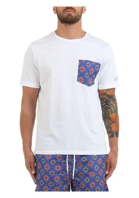 T-SHIRT BIANCA CON TASCHINO A CONTRASTO LORD PARTENOPEI | T-shirt | T-SHIRT01VIETRIBLUEBIANCO