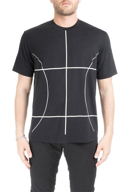 T-SHIRT NERA CON LINEE GEOMETRICHE A CONTRASTO BLACKBARRETT | T-shirt | XJT217NERO