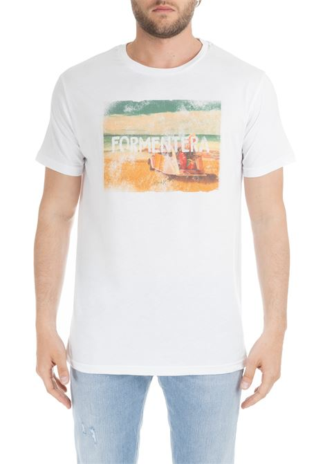 WHITE T-SHIRT WITH FORMENTERA GRAPHIC F**k | T-shirt | FK19-1031BIANCO